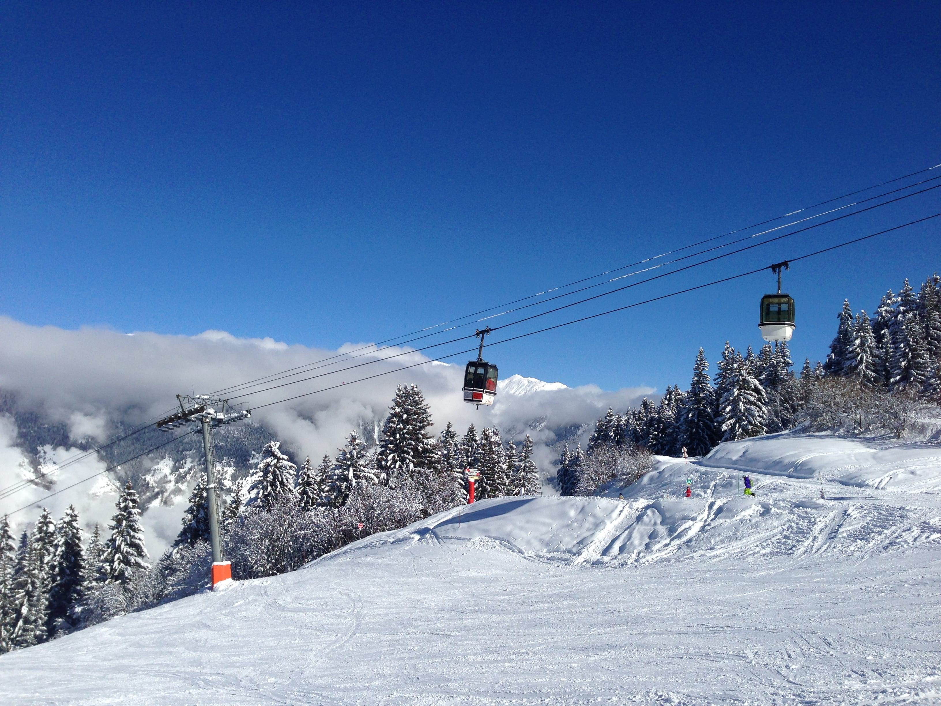 Skiing in La Tania France