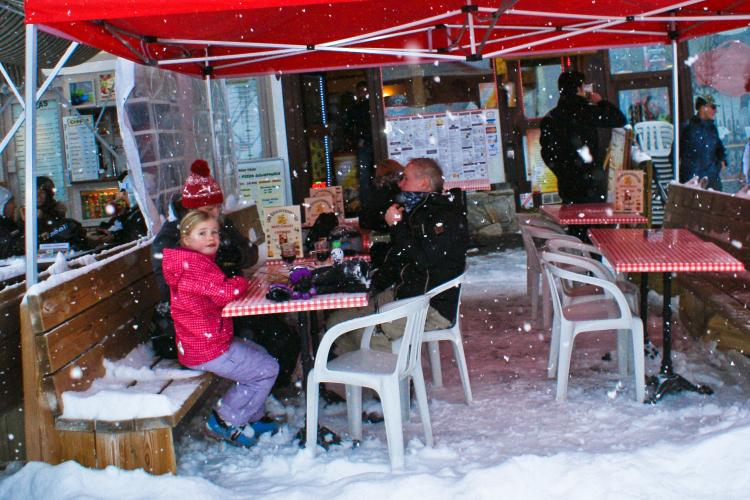child-friendly restaurants la tania